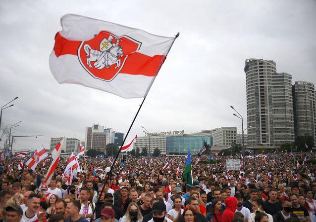 Une manifestation contre les résultats de la présidentielle biélorusse à Minsk, 23 août 2020