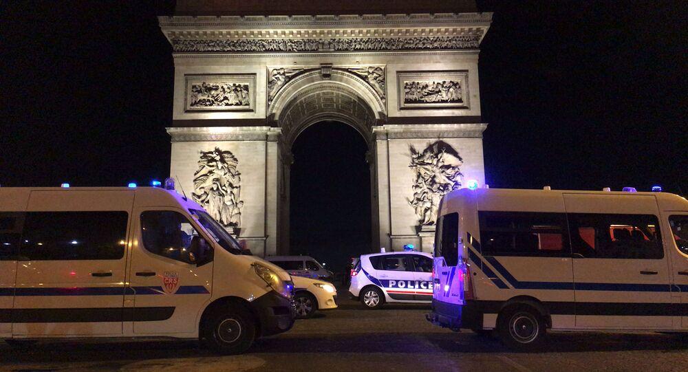 Les FDO déployées près de l'Arc de Triomphe lors de la finale de la Ligue des champions