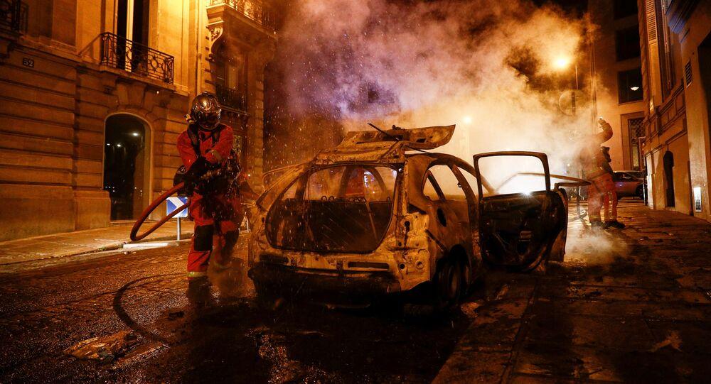 Débordements sur les Champs-Élysées après la défaite du PSG en finale de Ligue des champions