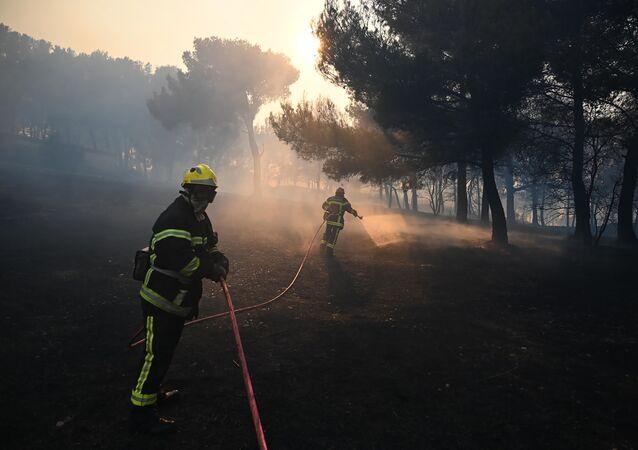 incendie ravage plusieurs hectares de végétation dans les Bouches-du-Rhône, le 24 août 2020
