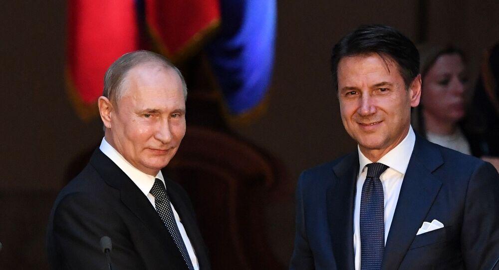 Vladimir Poutine et Giuseppe Conte (photo d'archives)