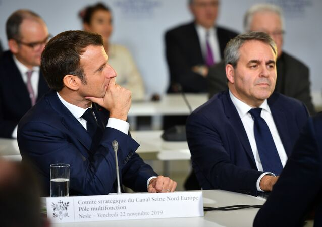 Emmanuel Macron et le président de la région Hauts-de-France Xavier Bertrand