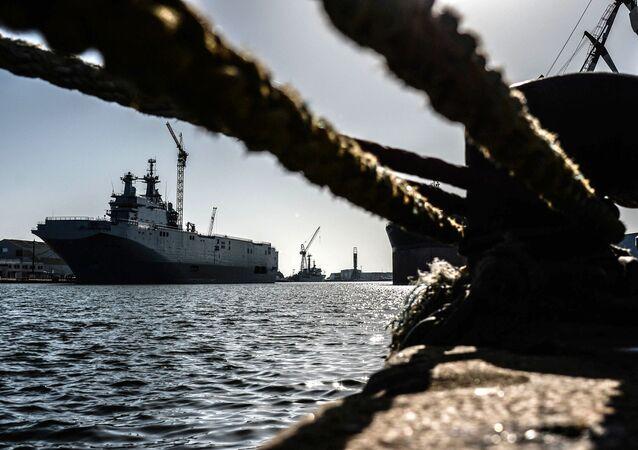 Le Vladivostok, bâtiment de guerre de classe Mistral