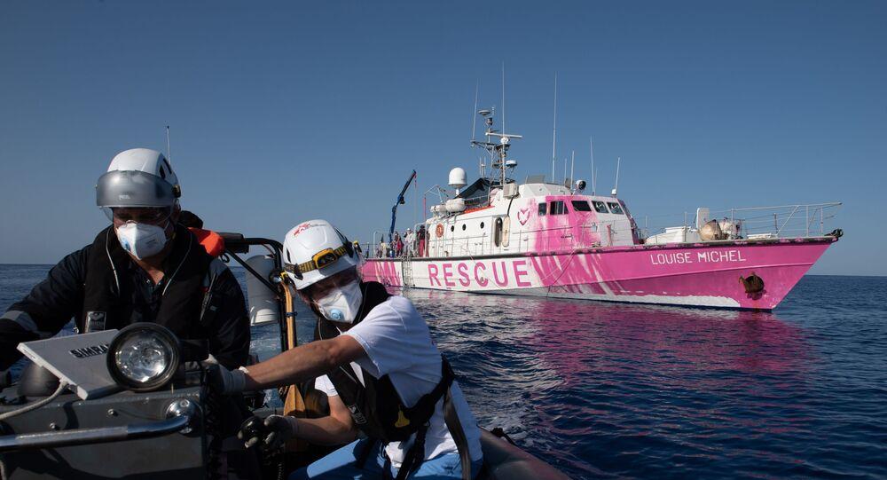 Le street-artiste Banksy finance un navire pour secourir les migrants — Méditerranée