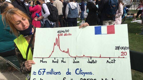 Anti-masques: rassemblement de militants sur la place de la Nation à Paris, 29 août 2020 - Sputnik France