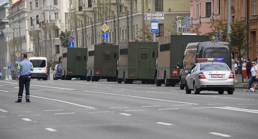 L'avenue de l'Indépendance de Minsk pendant une manifestation, 30 août 2020