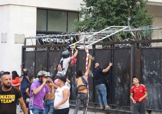 Protestations à Beyrouth le jour de la seconde visite d'Emmanuel Macron, 1 septembre 2020
