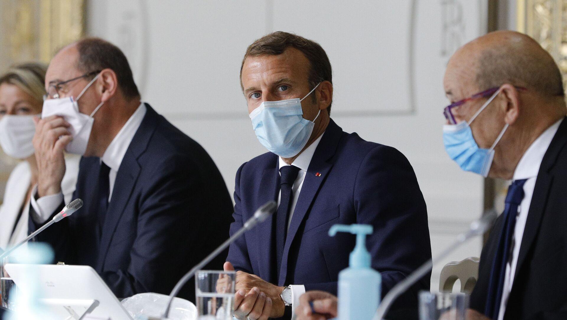Jean Castex, Emmanuel Macron et Jean-Yves le Drian, Palais de l'Élysée, 26 août 2020 - Sputnik France, 1920, 07.09.2021