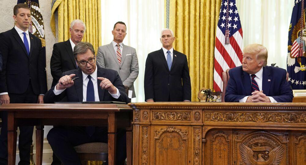Le Président serbe Aleksandar Vucic accueilli à la Maison-Blanche par Donald Trump