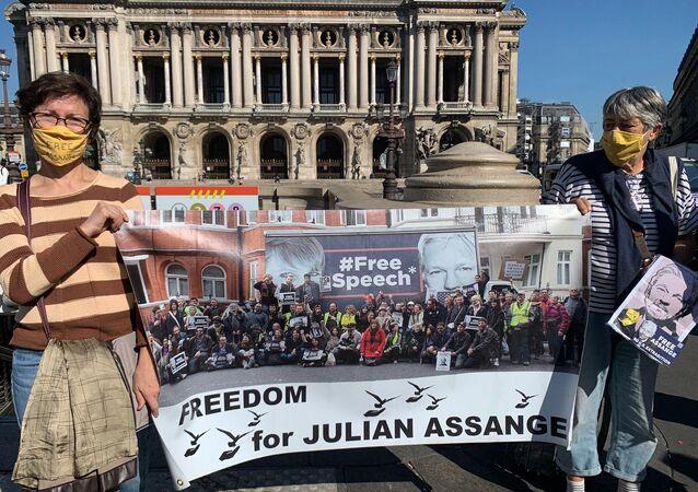 Une manifestation en soutien à Julian Assange à Paris, le 7 septembre 2020