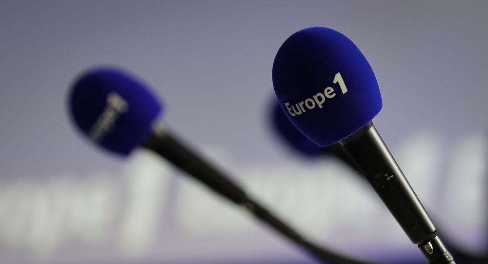 Micros avec le logo d'Europe 1
