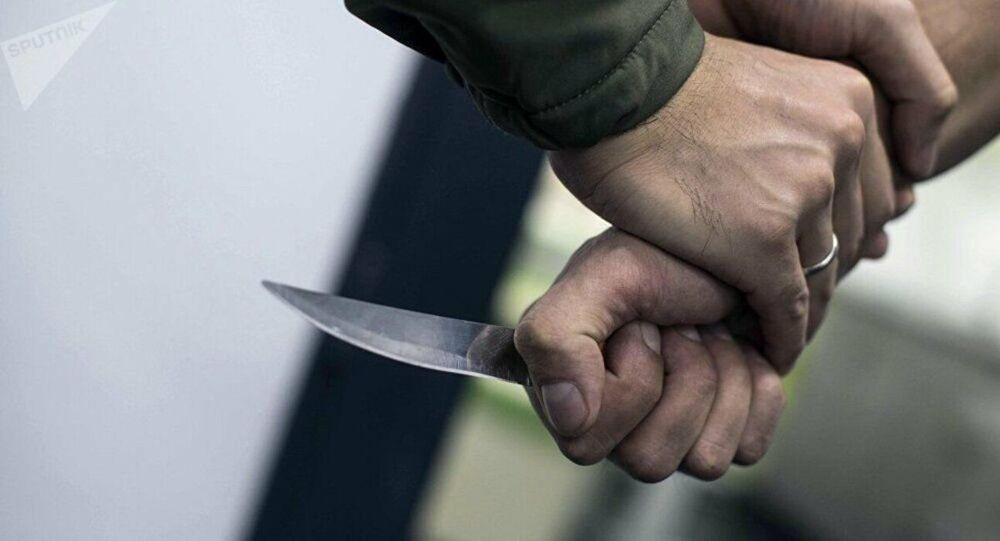 Une attaque au couteau, image d'illustration