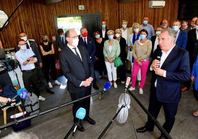 François Bayrou lors d'une conférence de presse dans les Landes
