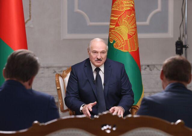 Alexandre Loukachenko lors d'une interview avec des représentants des médias russes, le 8 septembre