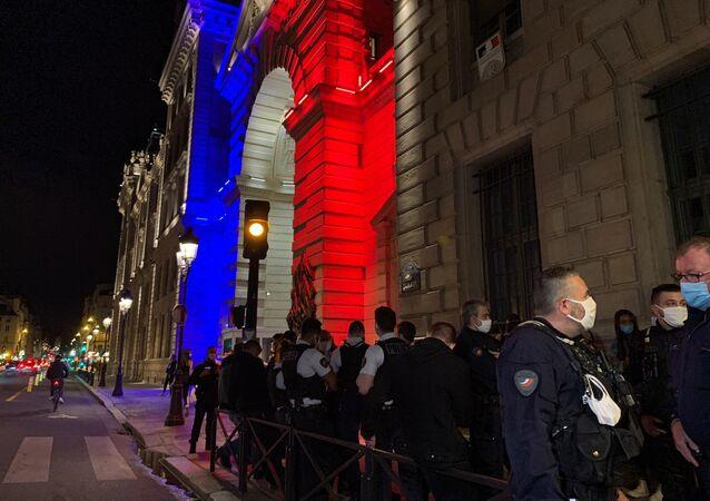 Rassemblement de policiers devant la Préfecture de Paris en hommage à leurs collègues, 10 septembre 2020