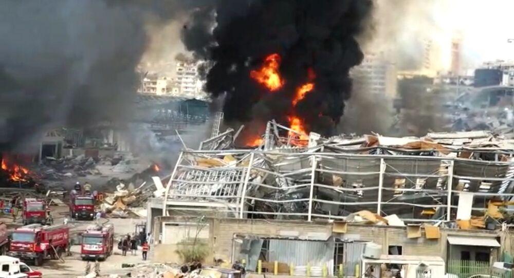 Un violent incendie s'élève de nouveau dans le port de Beyrouth, 10 septembre 2020
