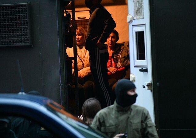 Femmes interpellées lors d'une manifestation à Minsk