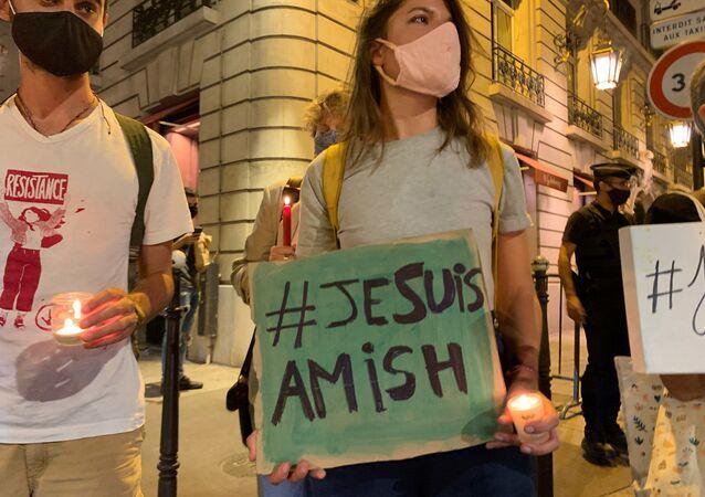 #JesuisAmish: rassemblement des militants de l'ANV COP 21 et des Amis de la Terre contre la 5G à Paris, le 15 septembre