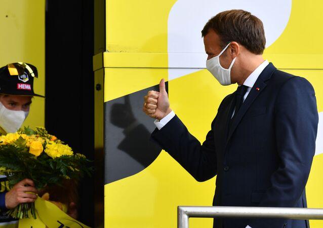 Macron en visite sur le Tour de France