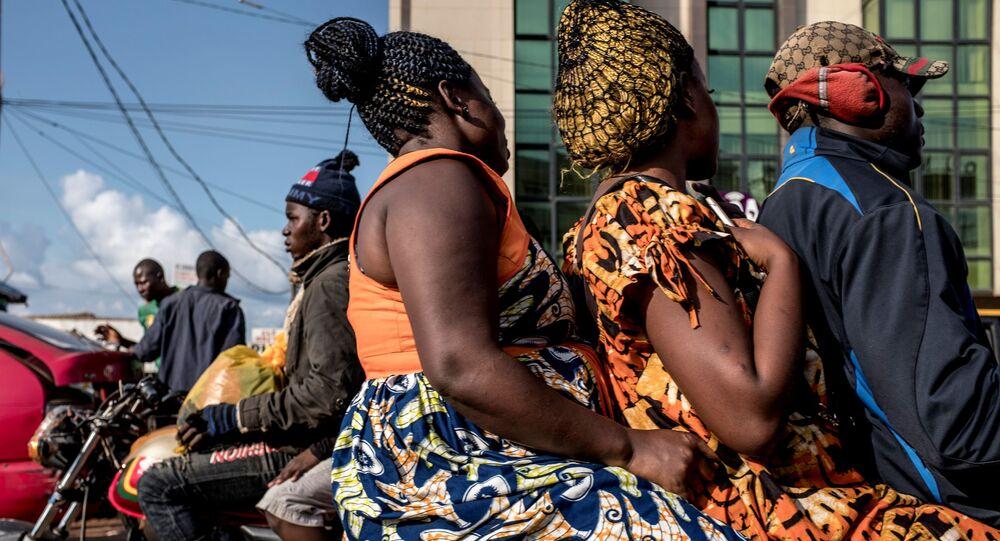 Au Cameroun, la vie reprend son cours