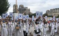 Les guides-conférenciers manifestent à Paris, à l'occasion des Journées du patrimoine