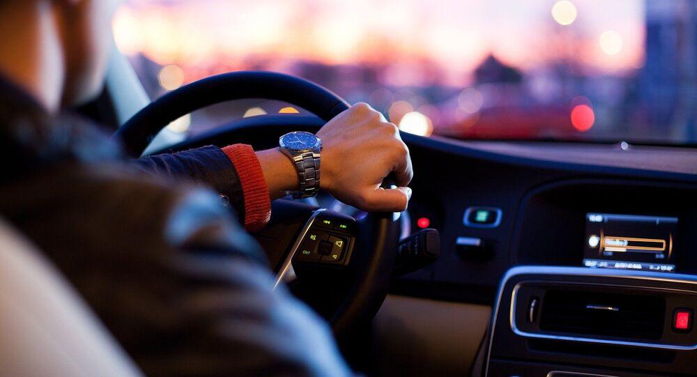 Au volant (image d'illustration)