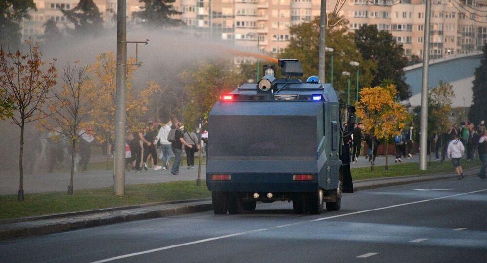 Canon à eau à Minsk le 23 septembre