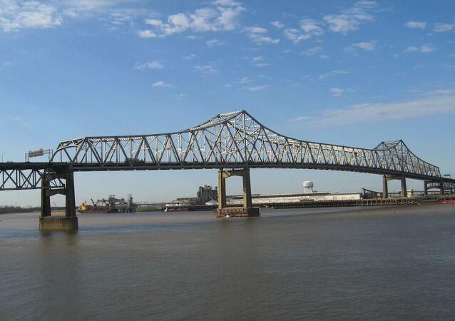 Un pont sur le Mississippi