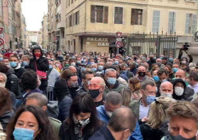 Marseille: manifestation contre les nouvelles mesures sanitaires
