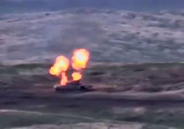 La vidéo de la «destruction de chars» azerbaïdjanais partagée en ligne par la Défense arménienne, capture d'écran