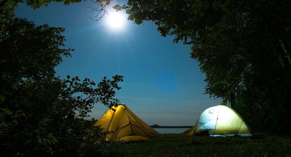 Des tentes