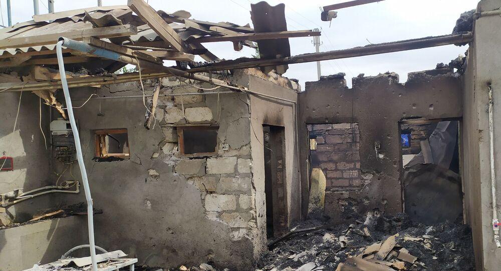 Une maison détruite par un pilonnage