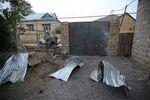 Une maison endommagée, selon les habitants, par un bombardement au Haut-Karabakh, le 28 septembre 2020