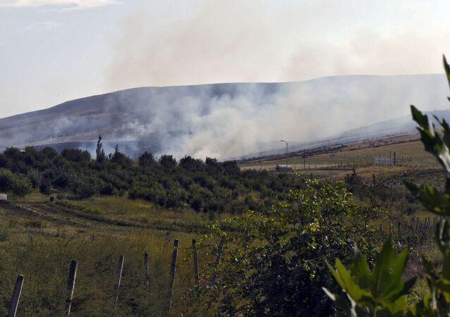 Un incendie provoqué par des tirs d'artillerie au Haut-Karabakh, 29 septembre 2020