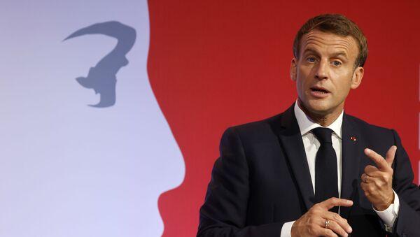 Emmanuel Macron aux Mureaux - Sputnik France