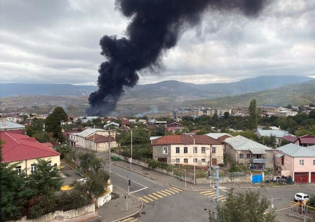 Stepanakert après un pilonnage