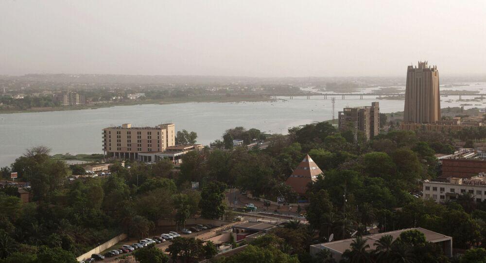 Vue aérienne de Bamako (Mali), avec à droite le bâtiment de la BCEAO (Banque centrale des États de l'Afrique de l'Ouest).