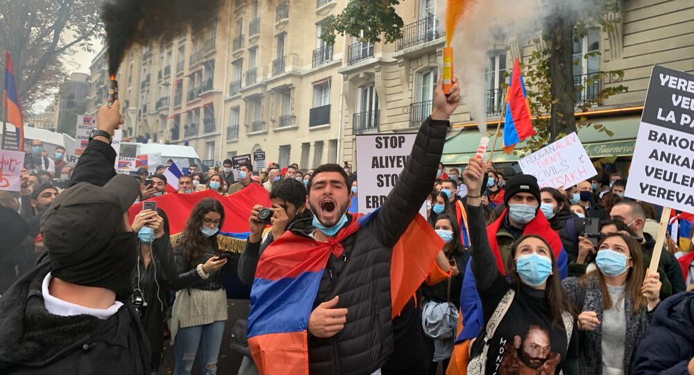 Manifestation devant l'ambassade turque à Paris, 8 octobre 2020