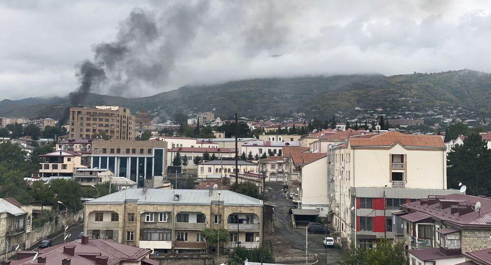 Stepanakert, capitale de la république autoproclamée du Haut-Karabakh, après une frappe d'artillerie