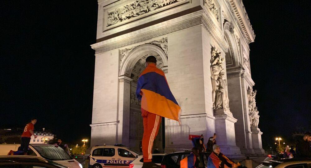 La diaspora arménienne manifeste à Paris pour sensibiliser l'opinion publique sur la question du Haut-Karabakh