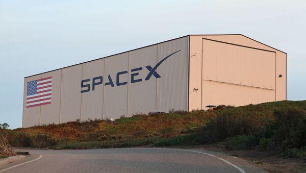 Un hangar de SpaceX - Sputnik France