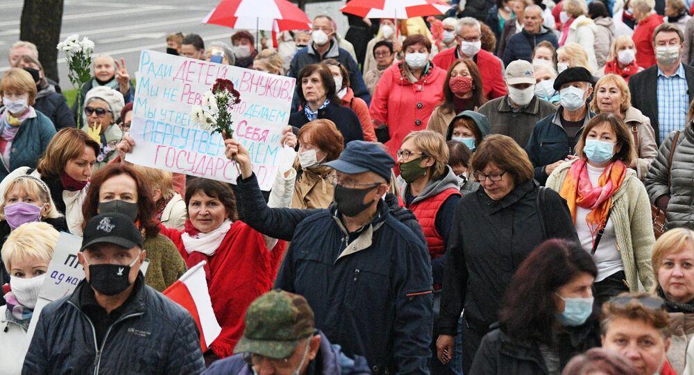 Une manifestation de retraités à Minsk, le 12 octobre