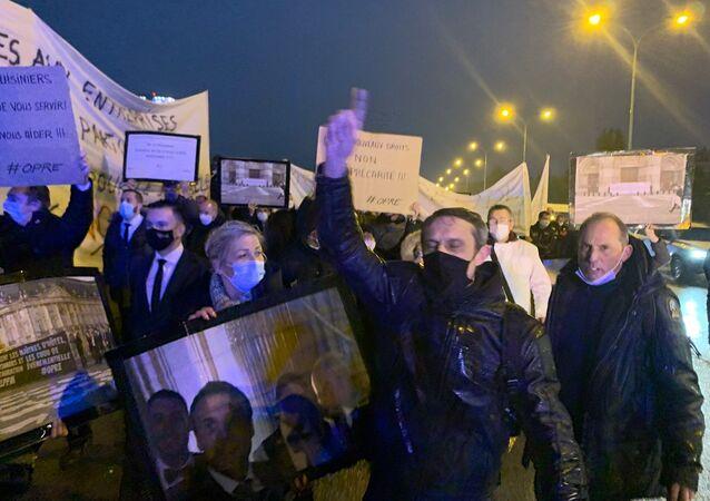 Blocage du périphérique à Paris par les maîtres d'hôtel et extras, 13 octobre 2020