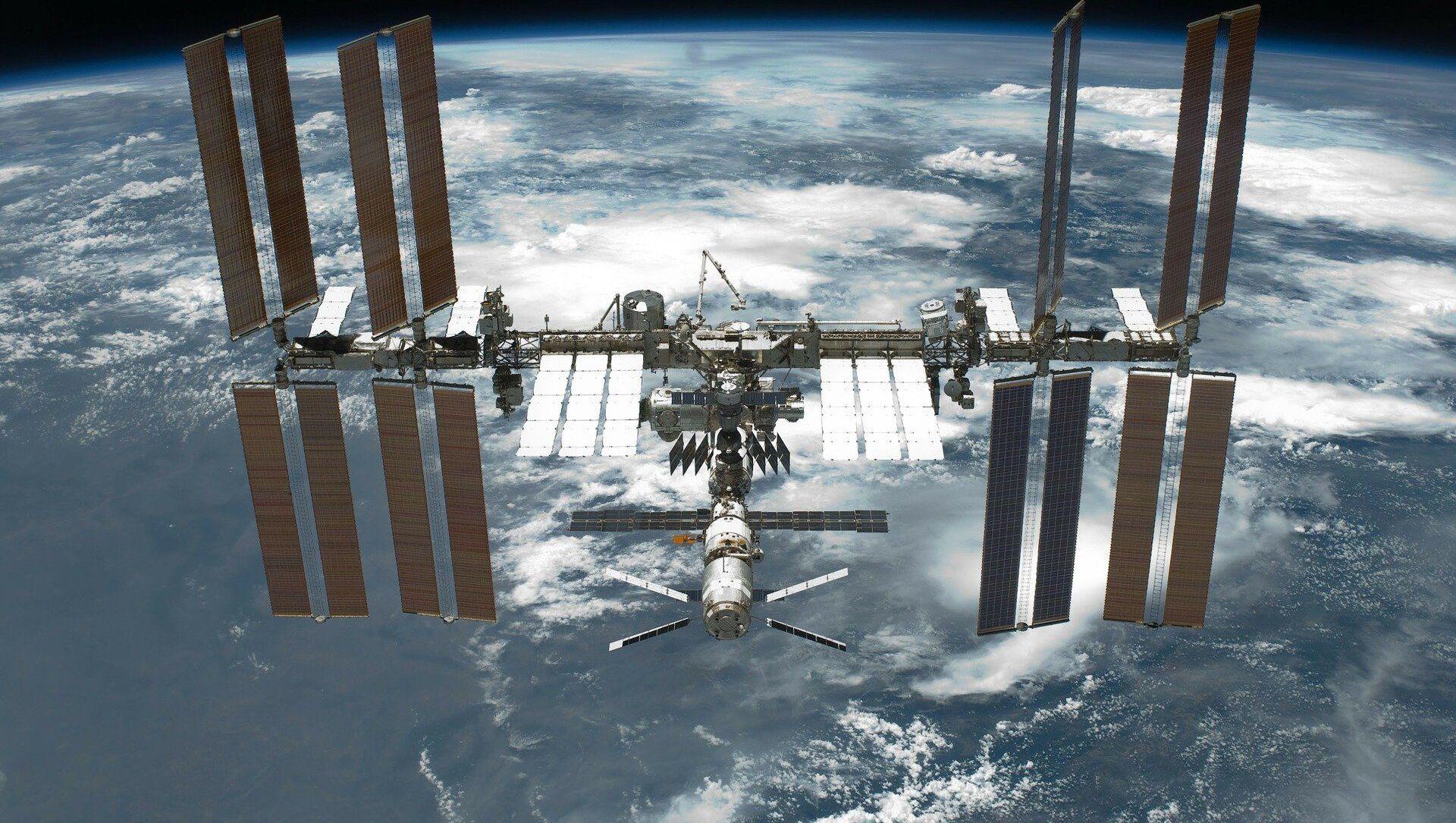 ISS - Sputnik France, 1920, 29.08.2021