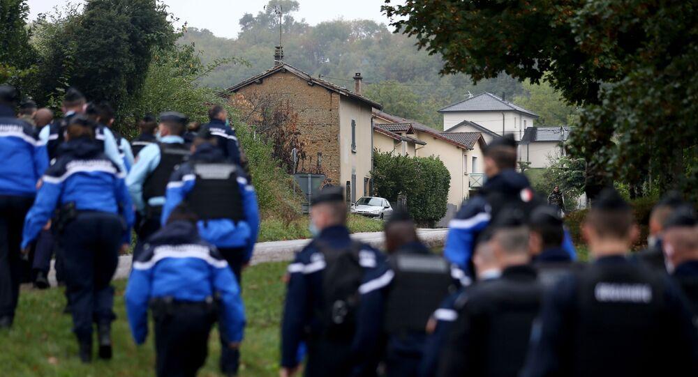une équipe de gendarmes mobilisée dans la recherche du corps de Victorine