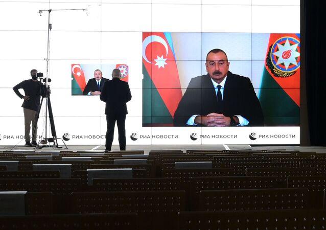 Interview de Dmitri Kisselev, directeur de l'agence Rossiya Segodnya, avec le Président azerbaïdjanais Ilham Aliev