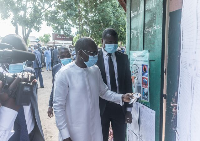 Le Président du Bénin Patrice Talon arrive à son bureau de vote pour les élections municipales béninoises