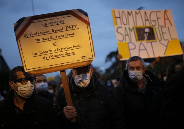 Marche blanche en hommage au professeur Samuel Paty