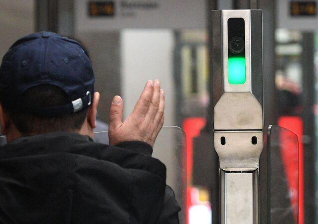 Système de reconnaissance faciale dans le métro moscovite