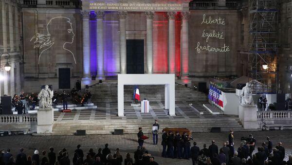 Hommage national au professeur Samuel Paty à la Sorbonne avec la participation d'Emmanuel Macron - Sputnik France